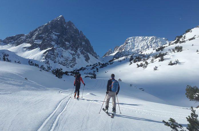cum sa alegi schiuri pentru coborare