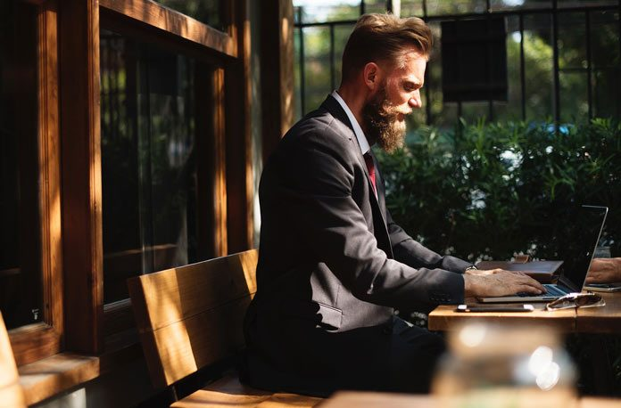 Navigatul-pe-internet-la-locul-de-munca