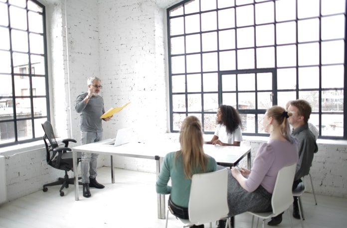 12 Sfaturi pentru Team-building - Crearea unei Echipe de Succes